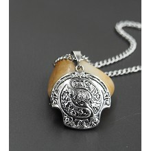 Dota2 anime necklace
